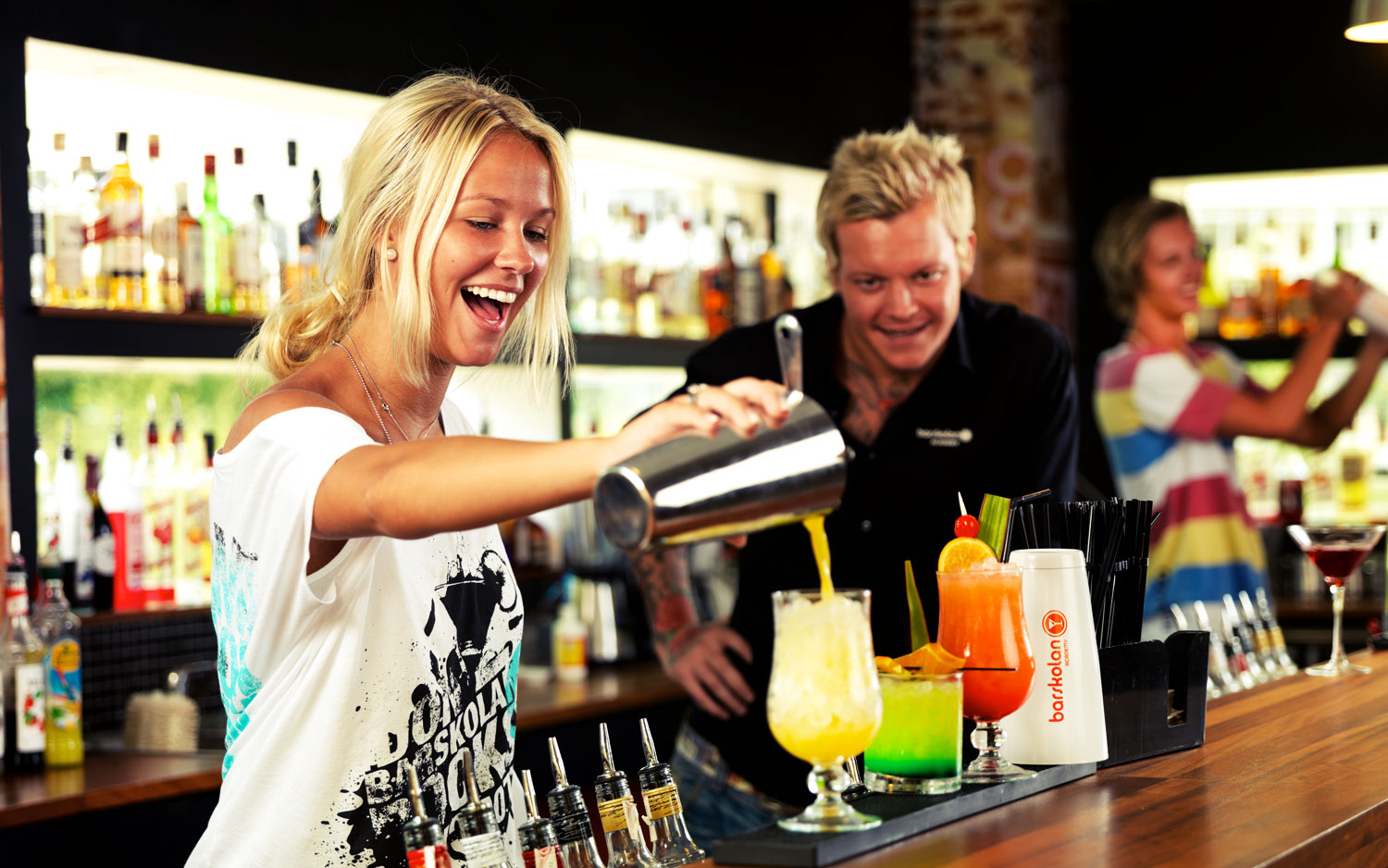 Confessions Of A Bartender: 10 Things Every Bartender